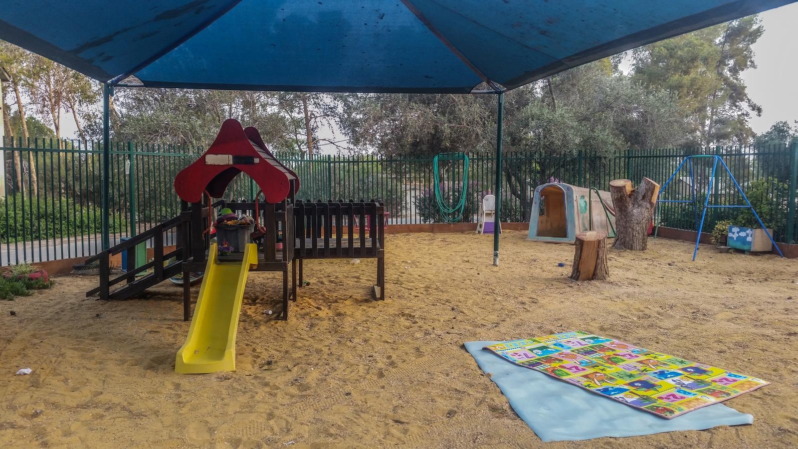 Игровая площадка детского садика в кибуце Revivim