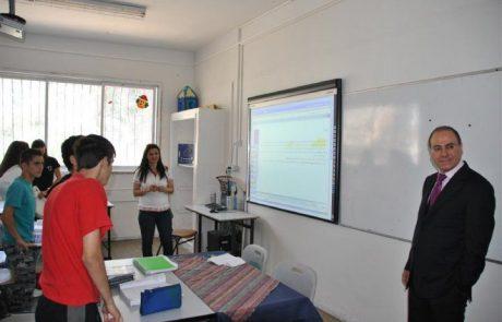 К новому учебному году в Негеве и Галилее будут построены 700 компьютеризированных классов